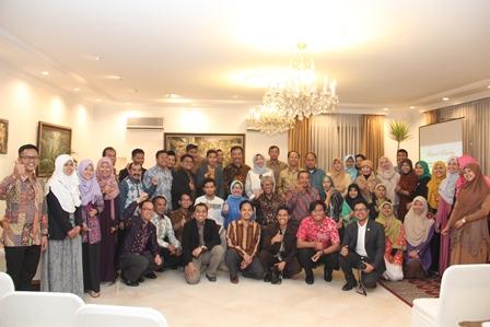 Bersama dengan Warga Indonesia di Pakistan (Sumber : KBRI Islamabad)
