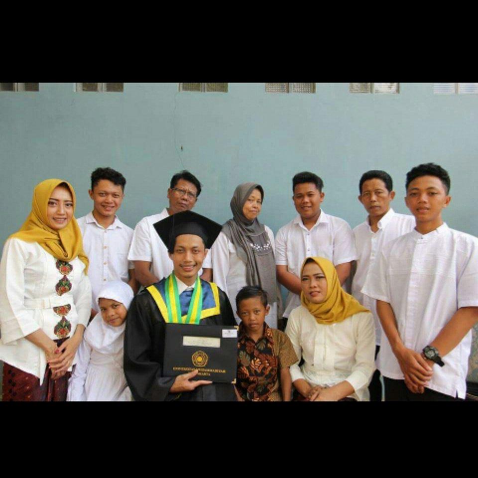 Ori beserta keluarga yang berhasil dibawanya ke Yogyakarta