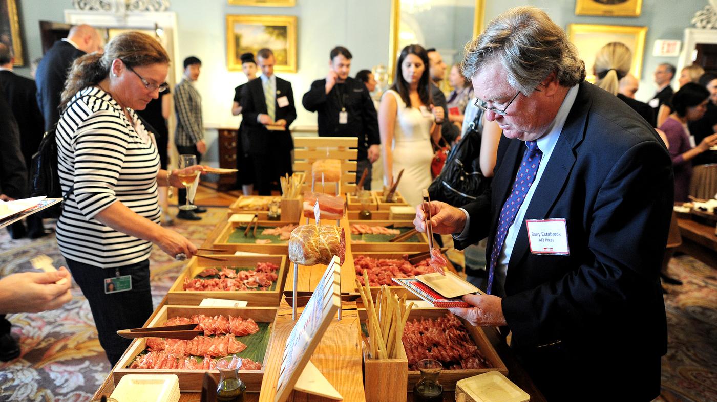 Ilustrasi Gastro Diplomacy (Sumber : www.npr.org)