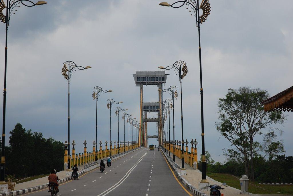 Jembatan Siak (Sumber :mapio.net)