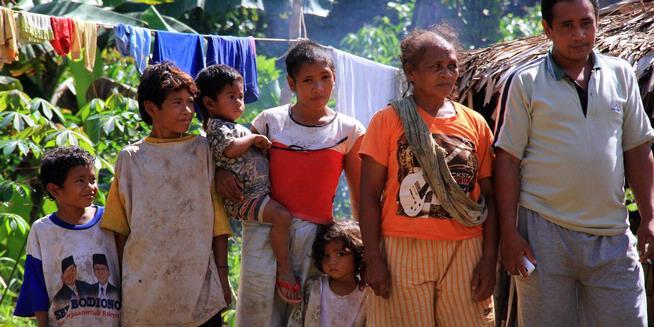 Keluarga Suku Polahi ( Sumber MgilangFL)