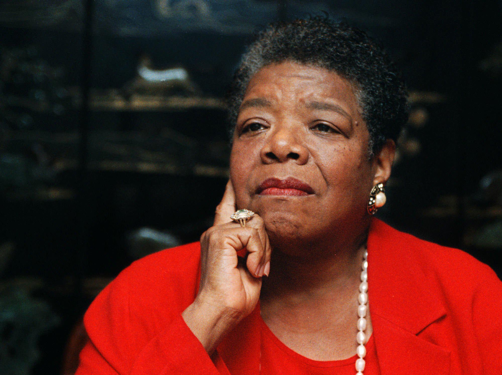 Maya Angelou (sumber gambar : Time Magazine)