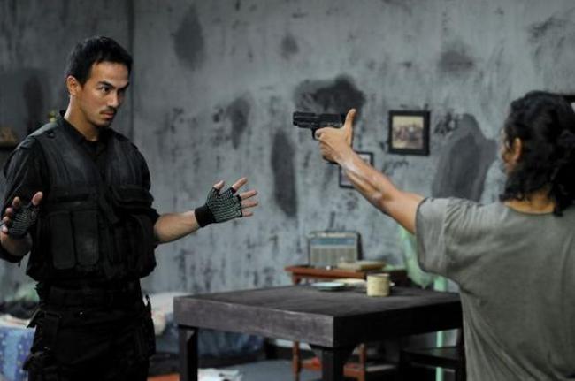 Joe Taslim di film The Raid (sumber : BookMyShow)