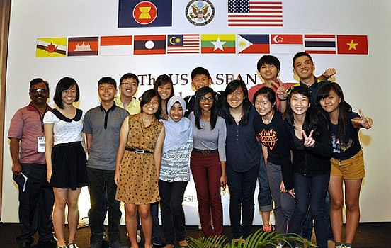 ASEAN Youths (source : The Diplomat)