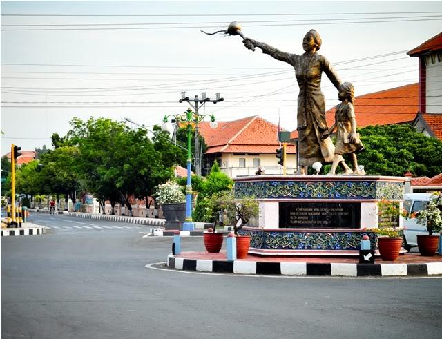Tugu Kartini. © Dharma Setyaputra/Wordpress