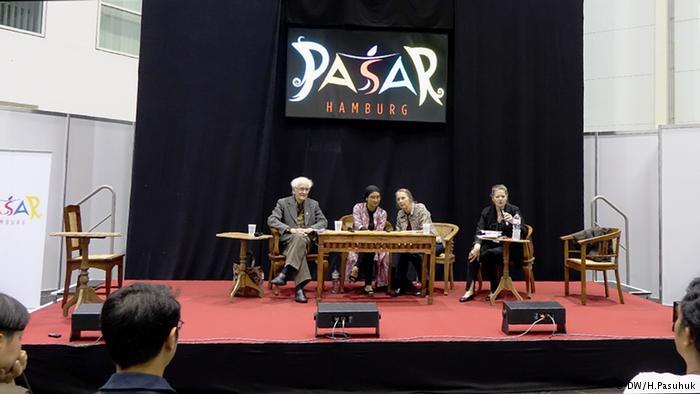 Diskusi dengan Romo Franz Magnis Suseno dan Okky Madasari
