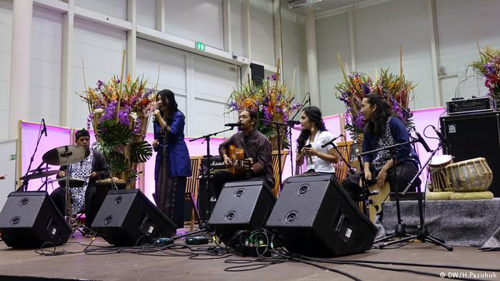 Kelompok Musik Suarasama Dari Medan