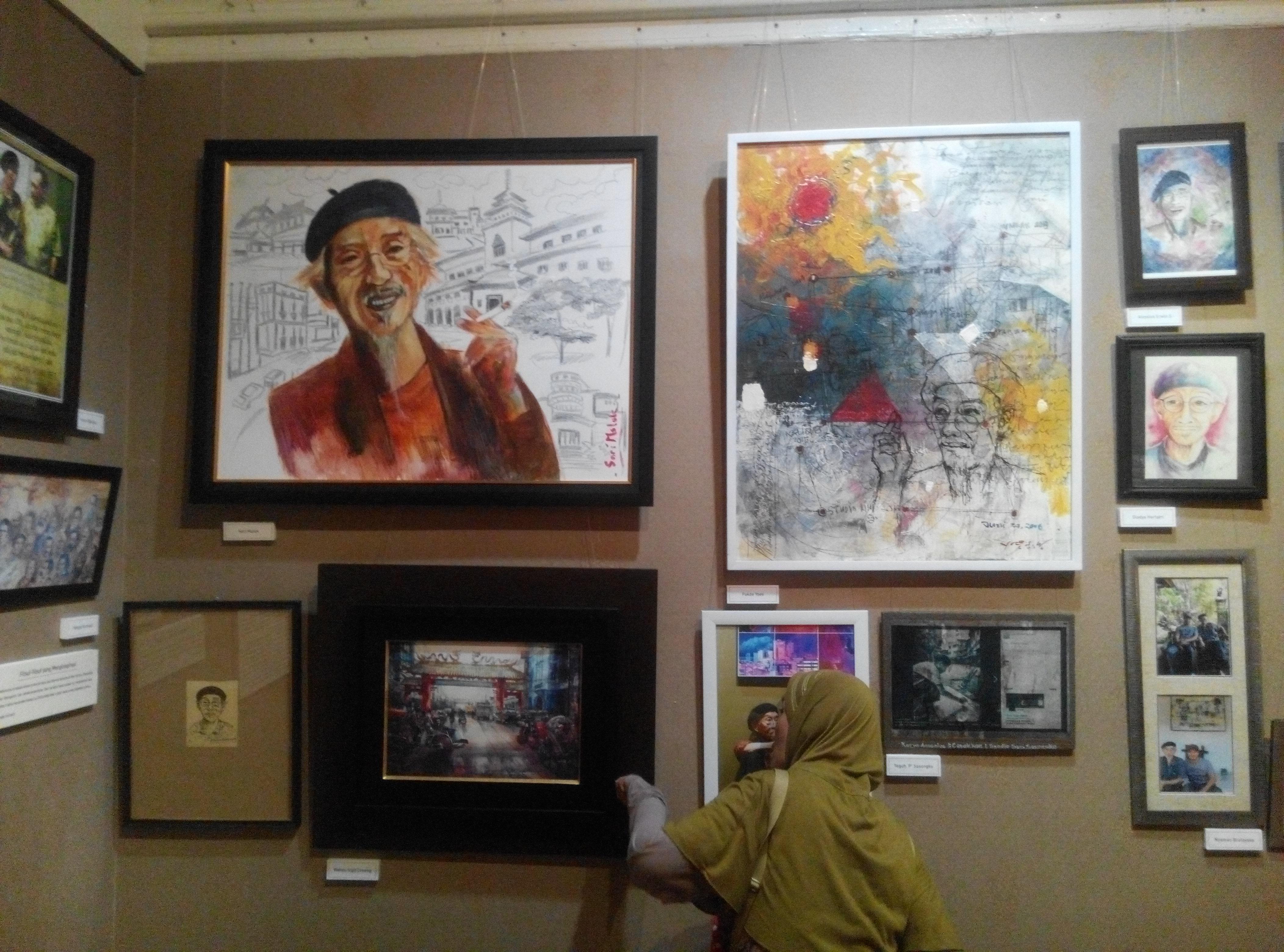 Lukisan tentang Tedja Suminar karya teman-teman seniman