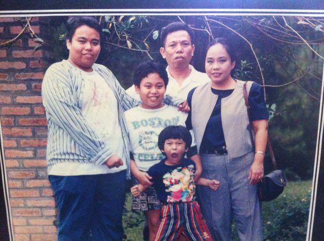 Alm.Dono beserta keluarga. Sumber:kapanlagi.com