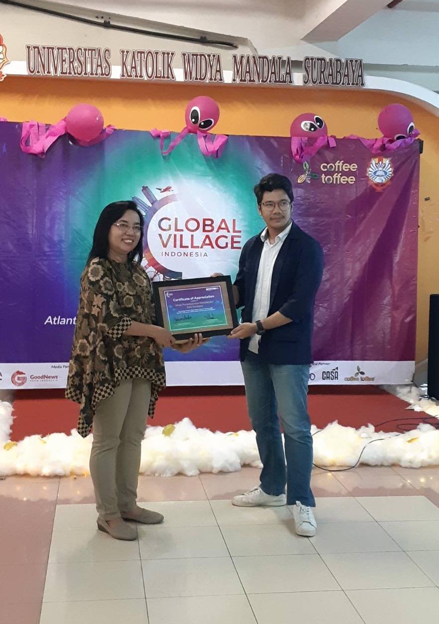 Perwakilan AIESEC in Surabaya dan Dinas Kebudayaan dan Pariwisata kota Surabaya