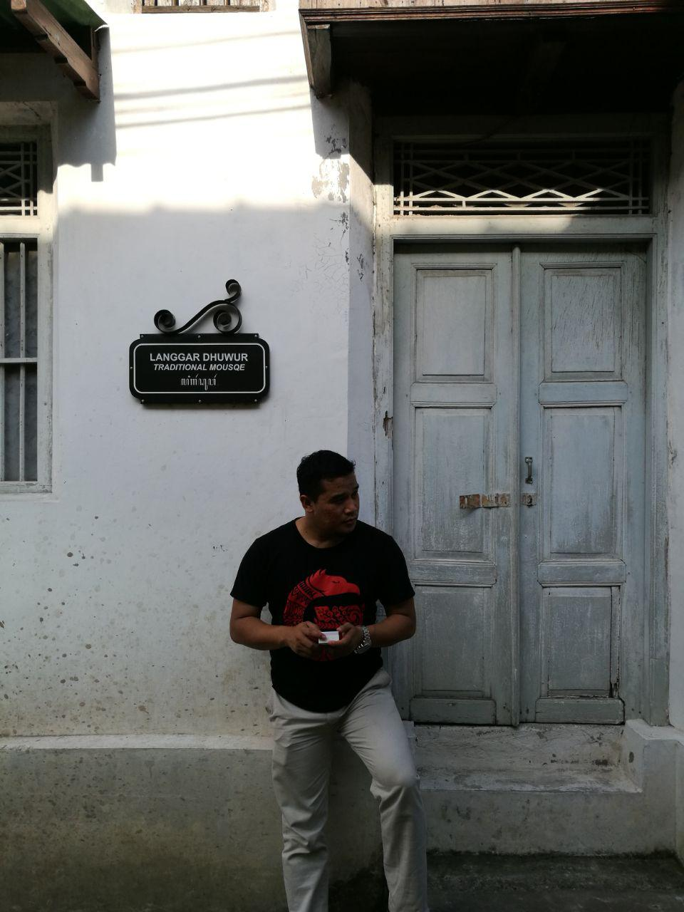 Pintu tua, saksi bisu sejarah tua | by Akhyari Hananto