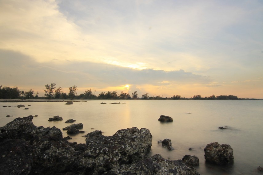 Pantai Pasir Padi | Sumber dok: IndonesiaKaya.com