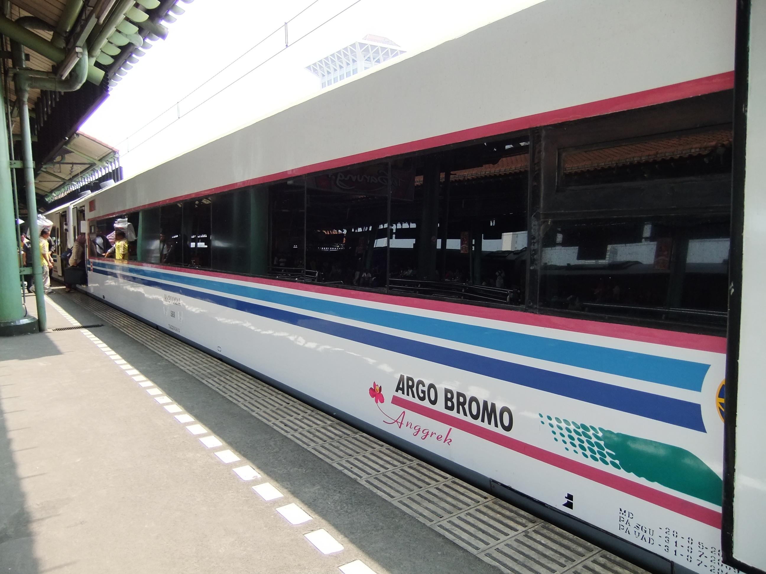 Kereta Api Argo Bromo | Sumber dok: Wikipedia