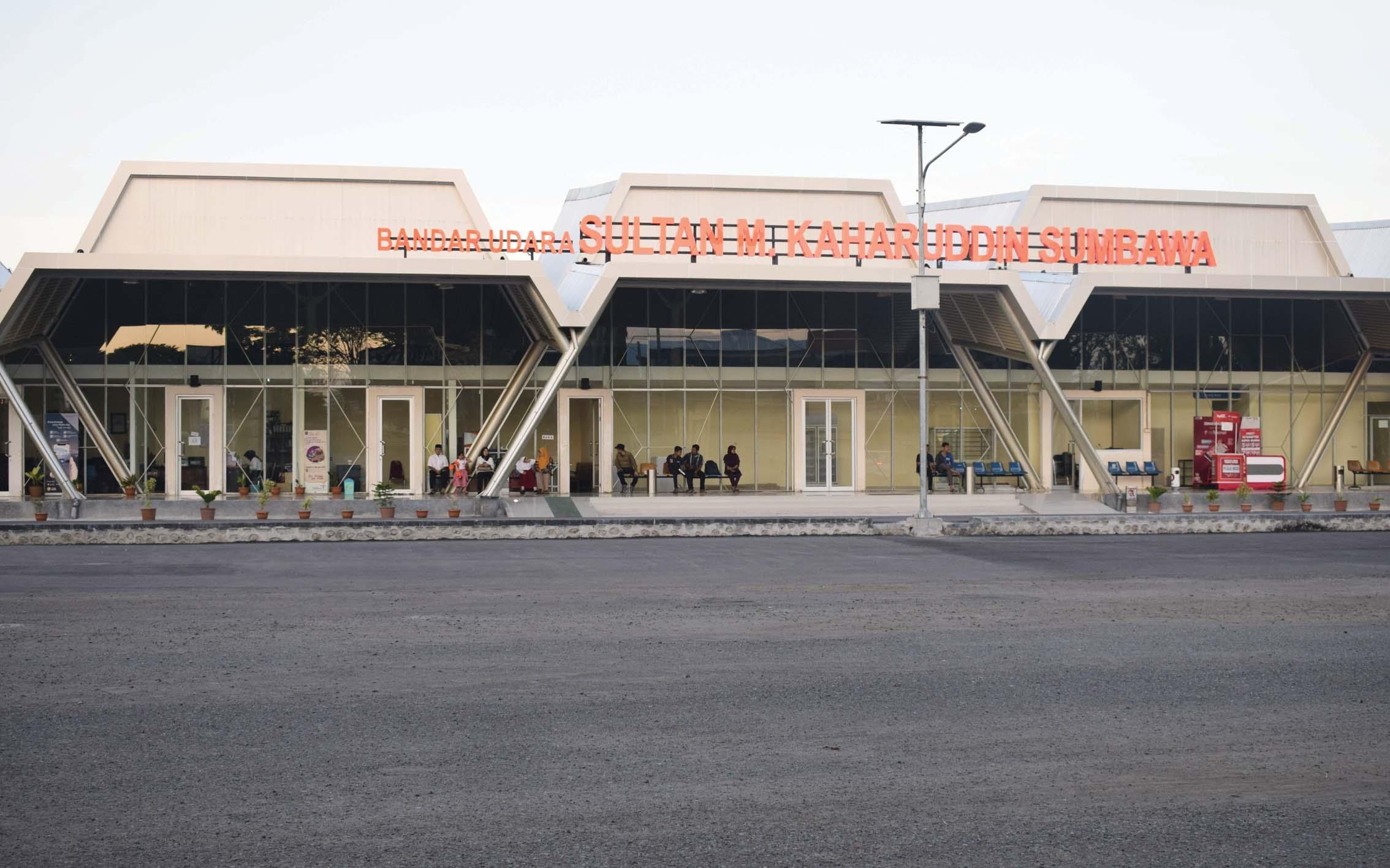 Potret Bandara Sultan Muhammad Kaharuddin | Sumber dok: Majalah Bandara