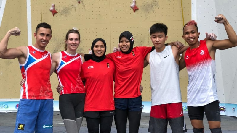Atlet Panjat Tebing Indonesia Bersama Para Atlet Lainnya | Sumber dok: Kumparan