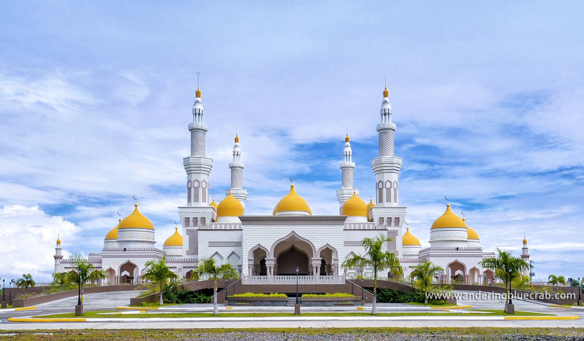 Masjid Hassanal | foto : Random Whispers