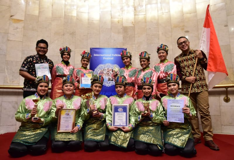 Tim Kesenian Indonesia di Intl. Folklore Festival l Dok. KBRI Moskow