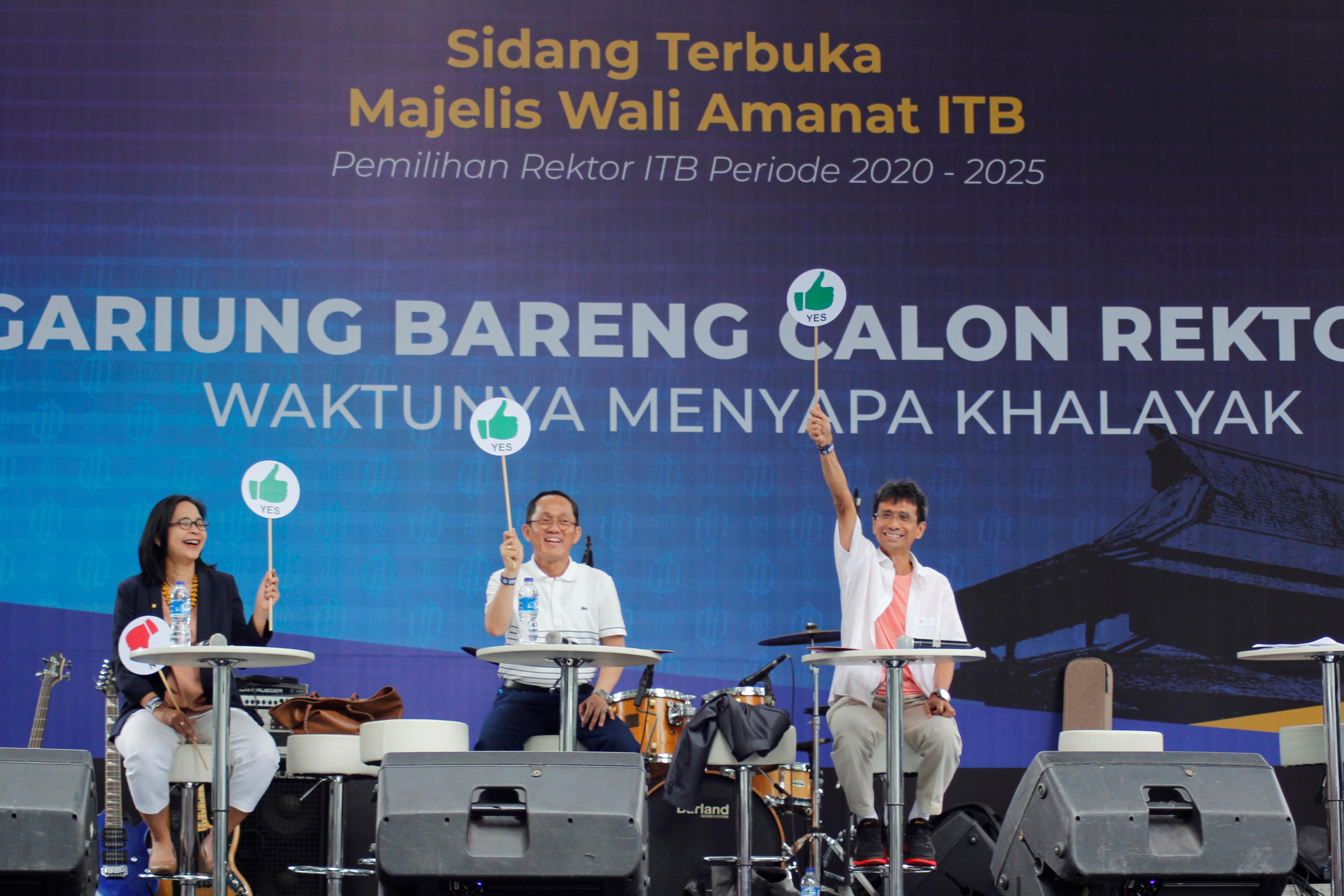 Tiga Calon Rektor ITB saat mengikuti kegiatan Sidang Terbuka Majelis Wali Amanat ITB   Foto: Humas ITB/Adi Permana