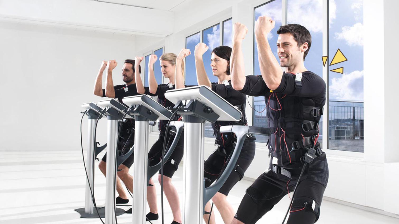Kegiatan Micro Gym yang menggunakan Electrical Muscle Stimulation | foto: orami.co.id