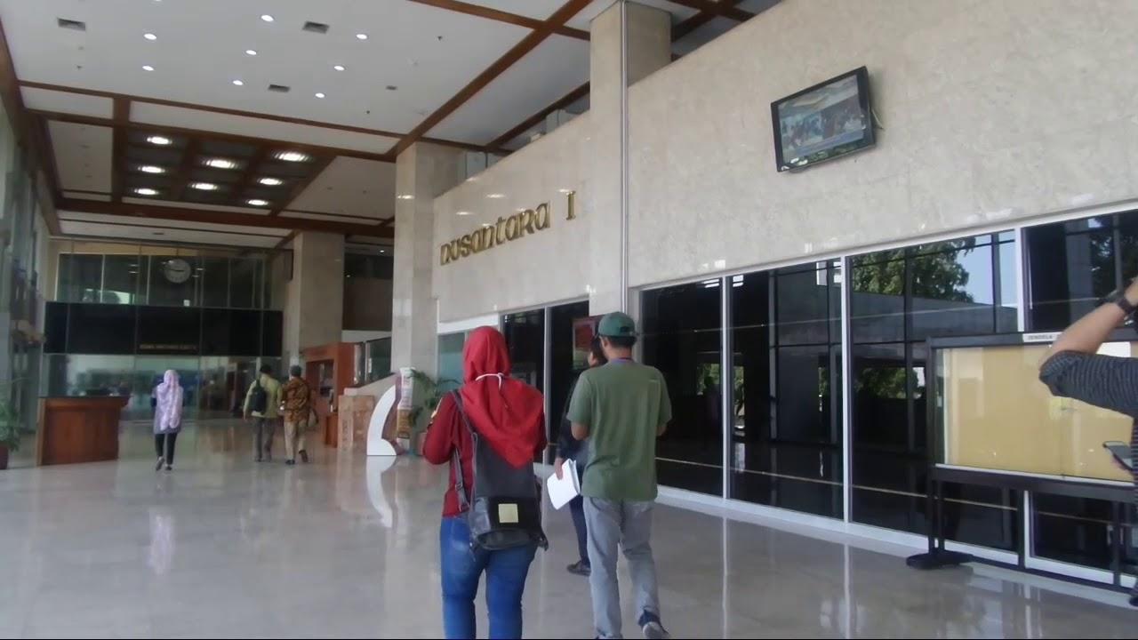 Ruang Nusantara 1 DPR yang memiliki tinggi 100 meter dengan 24 lantai | Foto: kompas.com