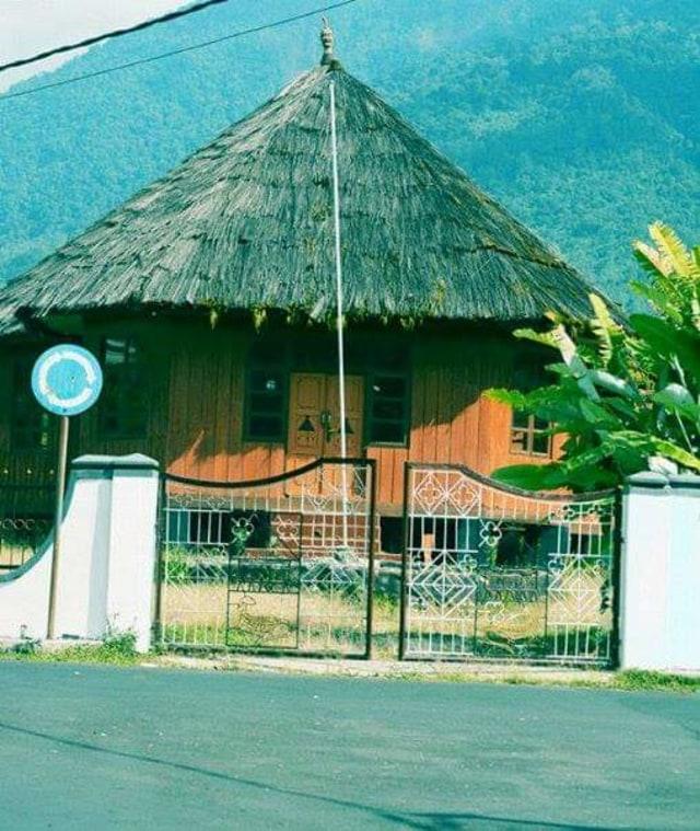 Mbaru gendang atau rumah adat yang sudah jadi | foto : kumparan.com