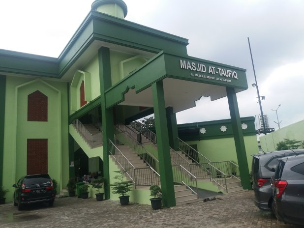 Masjid At Taufiq yang menjadi salah satu penggiat eco-masjid di Indonesia | Foto: faridfaizal.com