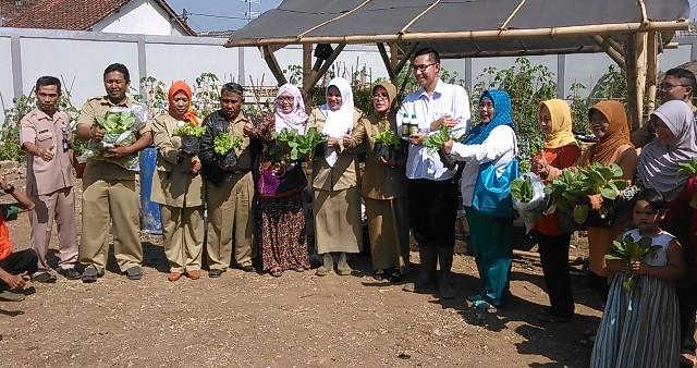 Kebun Cisaranten Kidul dikunjungi oleh Dinas Pertanian dan Ketahanan Pangan Kota Bandung 2015