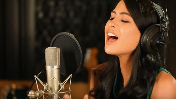 """Maudy diberi kepercayaan oleh Disney Indonesia untuk menyanyikan lagu soundtrack Moana """"How Far I'll Go"""" versi bahasa Indonesia"""