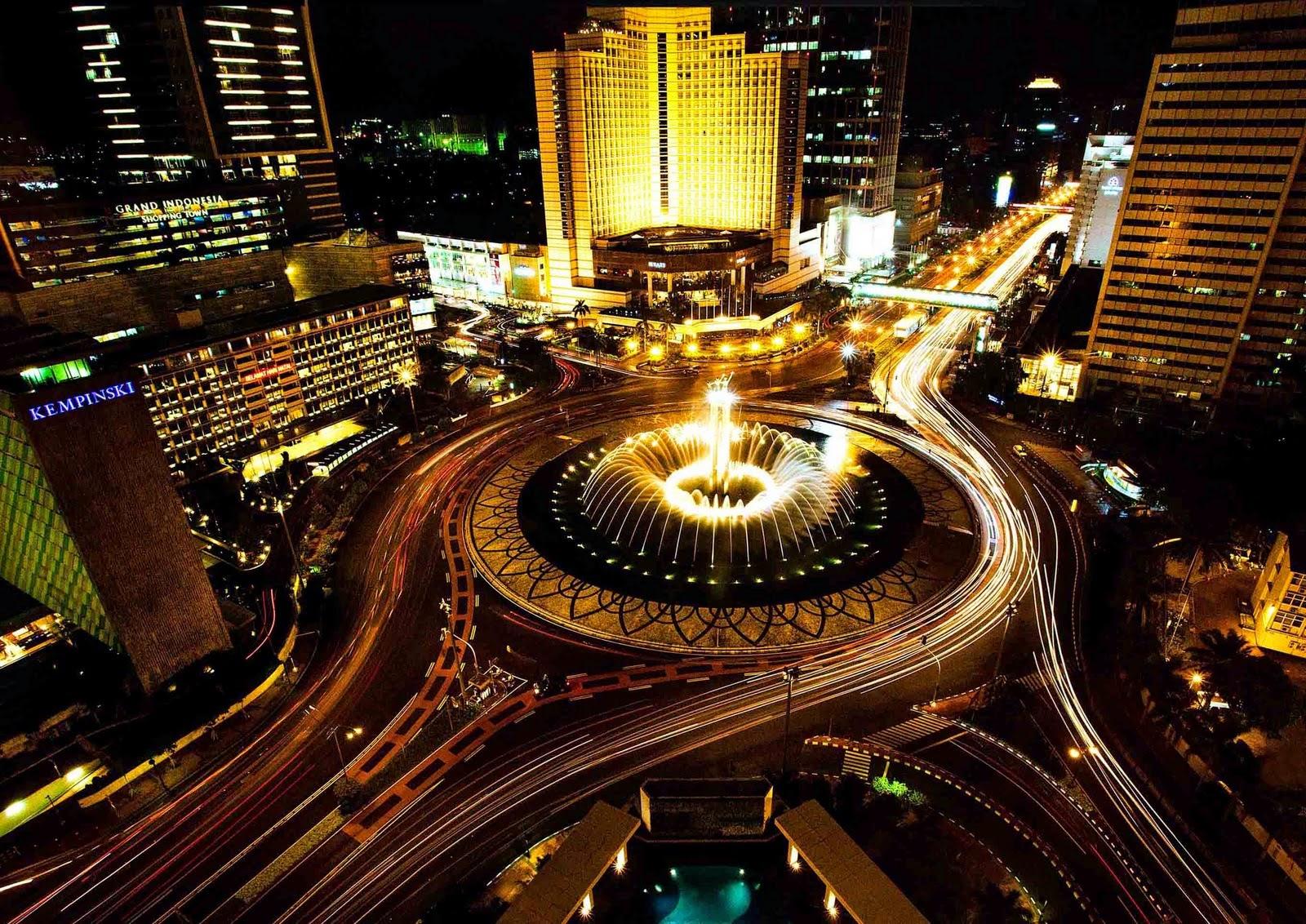Impian Soekarno adalah membangun Jakarta sebagai ibukota yang sejajar dengan kota-kota maju di seluruh dunia. Air mancur Bundaran HI ini merupakan buah imajinasinya