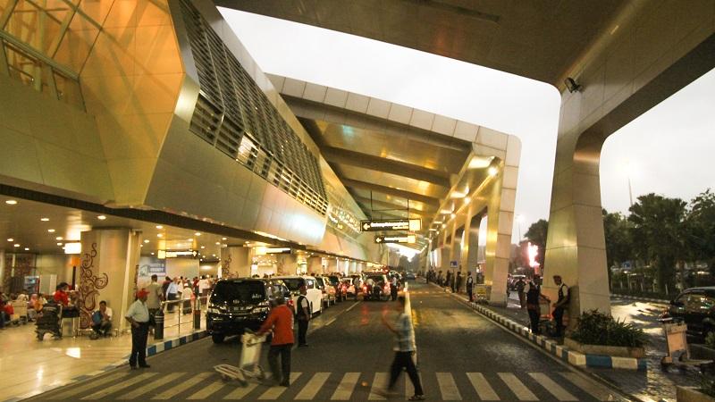 Pemandangan Bandara Juanda Terminal 2 di kala senja (foto: Afrizal/GNFI)