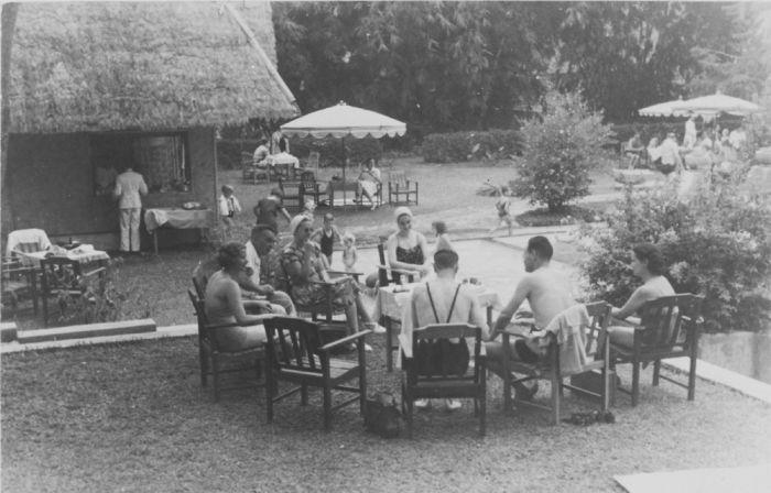 Dago Tea House dulu menjadi tempat favorit Belanda untuk menikmati minum teh