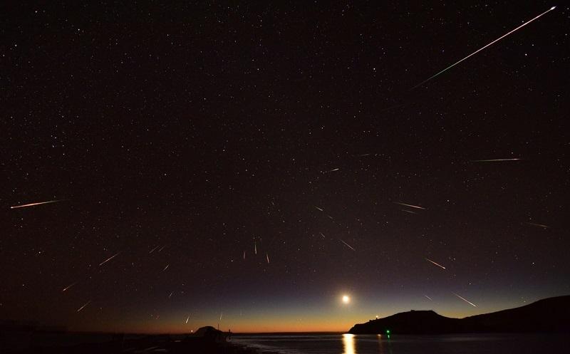 Meteor Eta Auarid merupakan puing-puing dari komet Halley