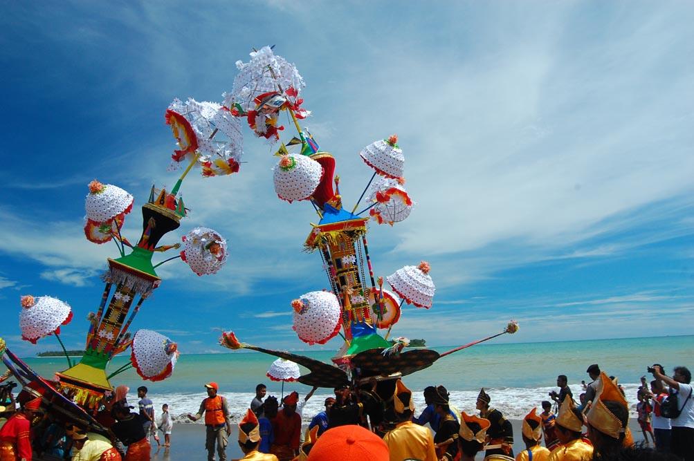 Pesta Budaya Tabuik digelar dengan teatrikal pertempuran Karbala