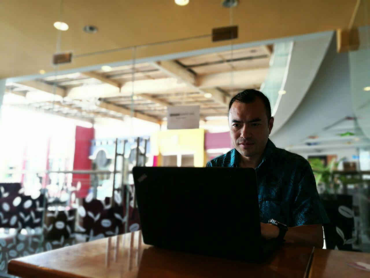 Dengan menggunakan Imooji, promosi produk dan event para pelaku bisnis akan lebih powerful (foto: GNFI)