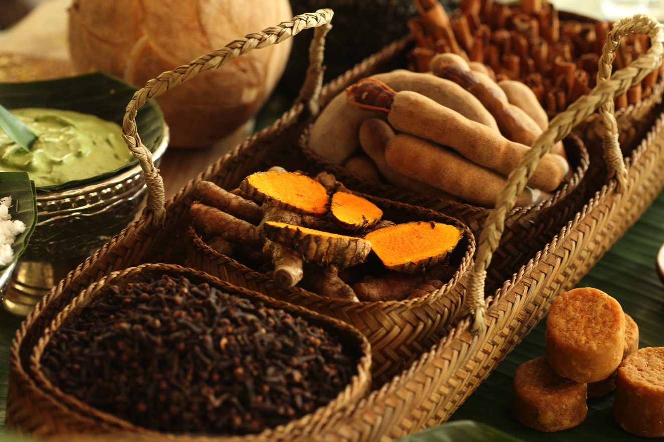 Bahan-bahan jamu merupakan bahan alami dan diolah dengan cara yang tradisional