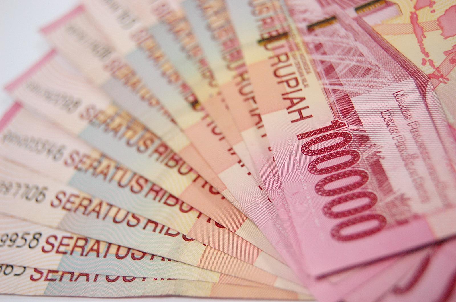 Kemenkeu mempersiapkan anggaran sebesar Rp23 triliun untuk THR dan gaji ke-13. Jumlah ini naik 28,4 persen jika dibandingkan anggaran tahun lalu