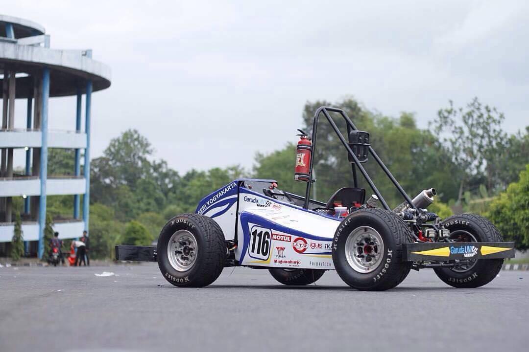 Mobil hybrid yang dibawa ke ajang International Student Car Competition di Korea Selatan 19-20 Mei 2017 lalu (foto: garuda UNY)
