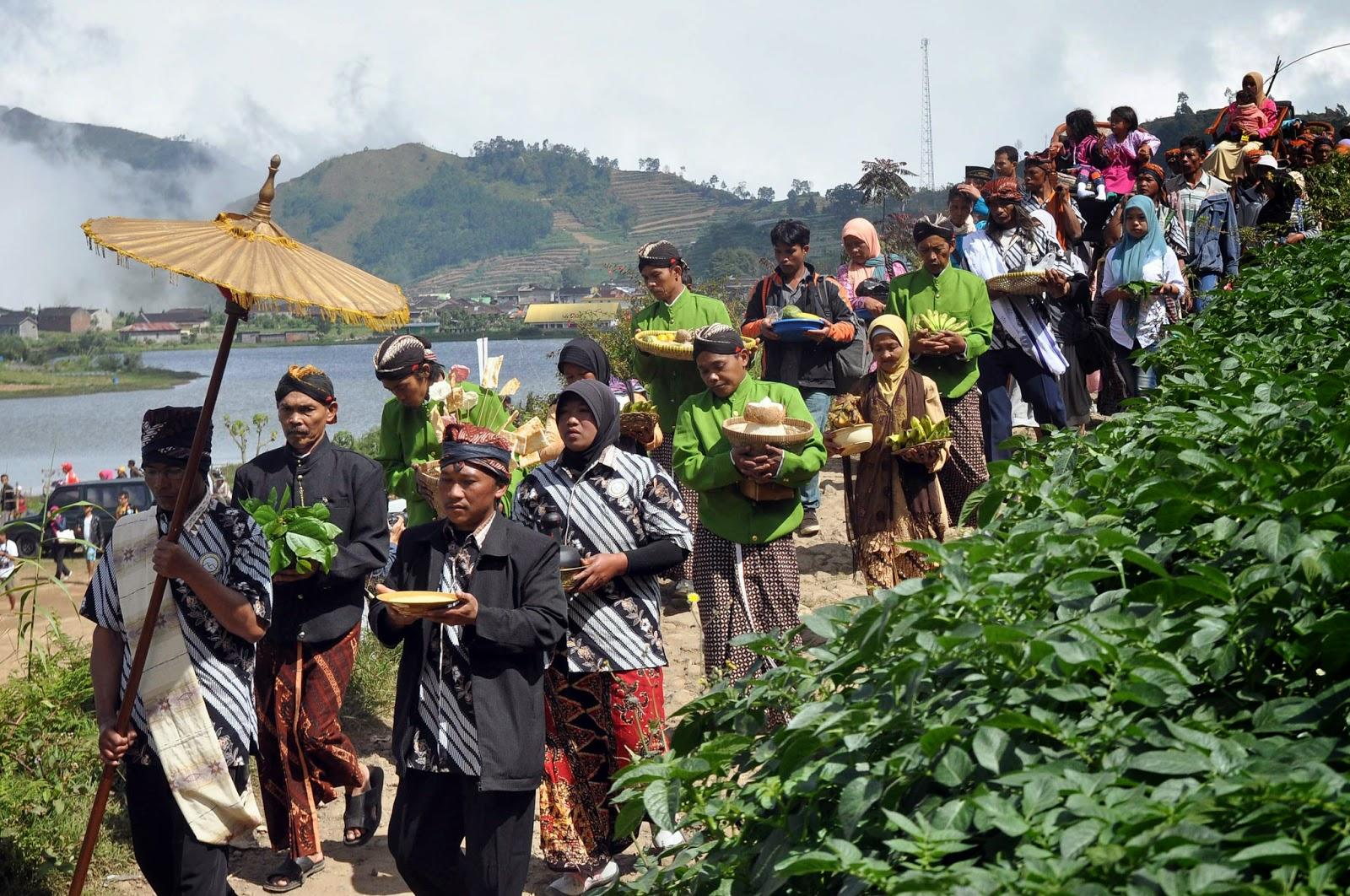 "5 Agama ""Asli"" Leluhur Indonesia yang Menjadi Bukti ..."