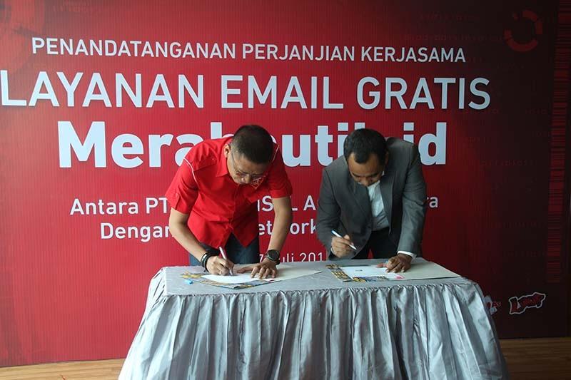 (Penandatanganan kerjasama dengan Telkomsel/Indotelko)