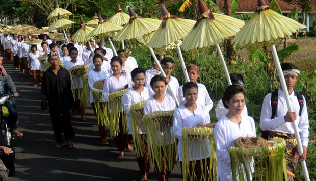 (Sunda Wiwitan/dongengbudaya.files.wordpress.com)
