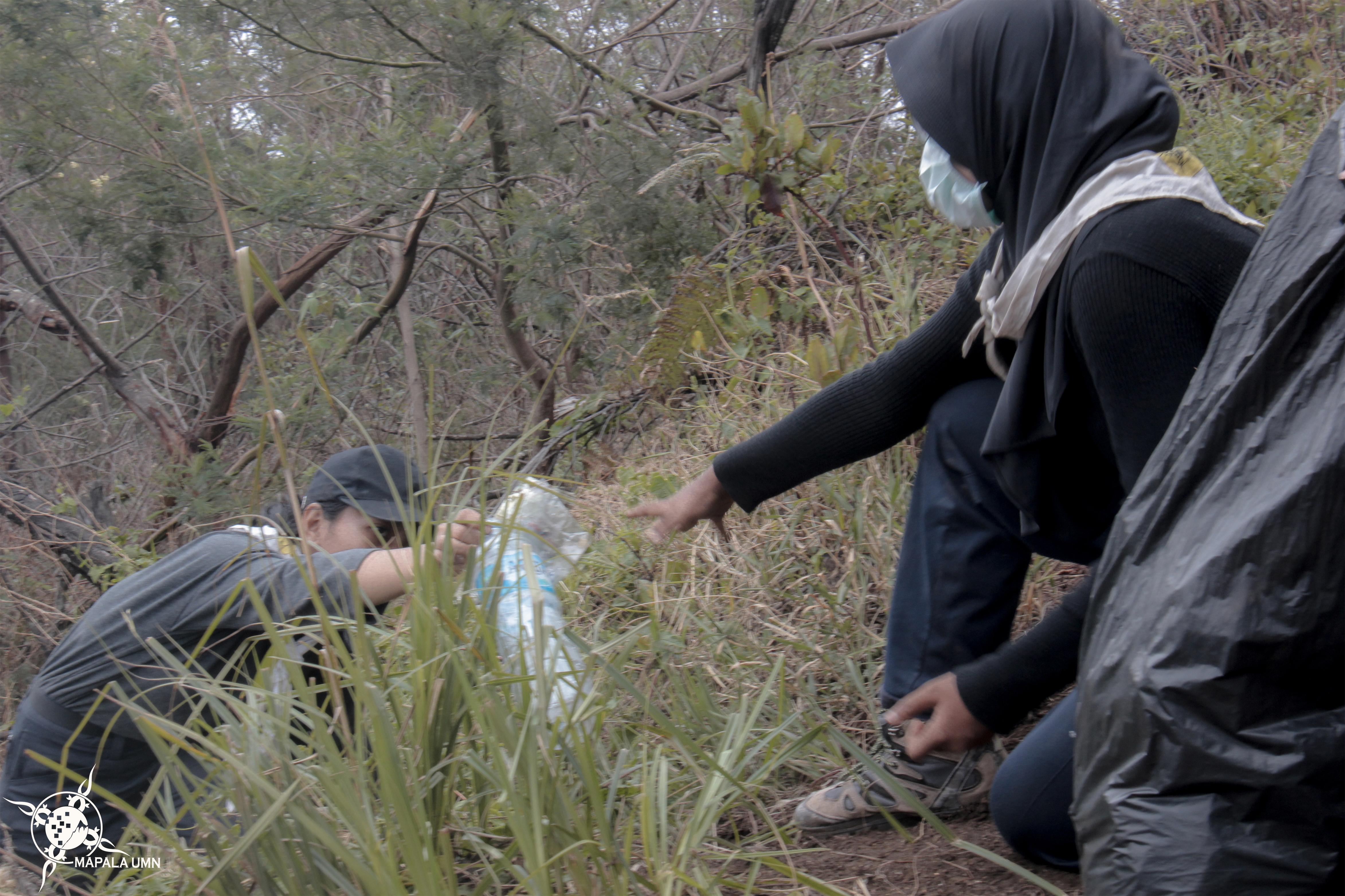 Opsi dilakukan oleh seluruh peserta maupun panitia selama pos pendakian via Cemoro Kandang | Foto: Dokumentasi Mapala UMN
