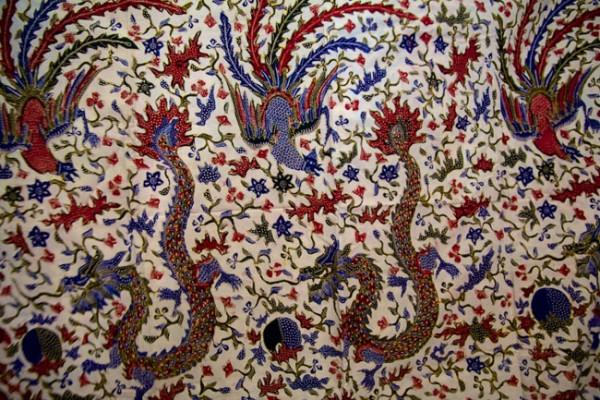 Batik lasem motif naga | foto : rumahukm.com
