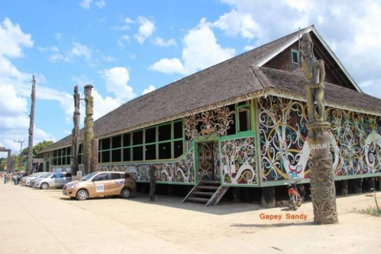 Rumah Adat Kalimantan Timur Gambaran Khas Budaya Suku Dayak Good News From Indonesia