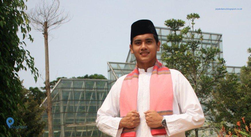 Baju Sadariah Khas Betawi | Foto: Pingpoint