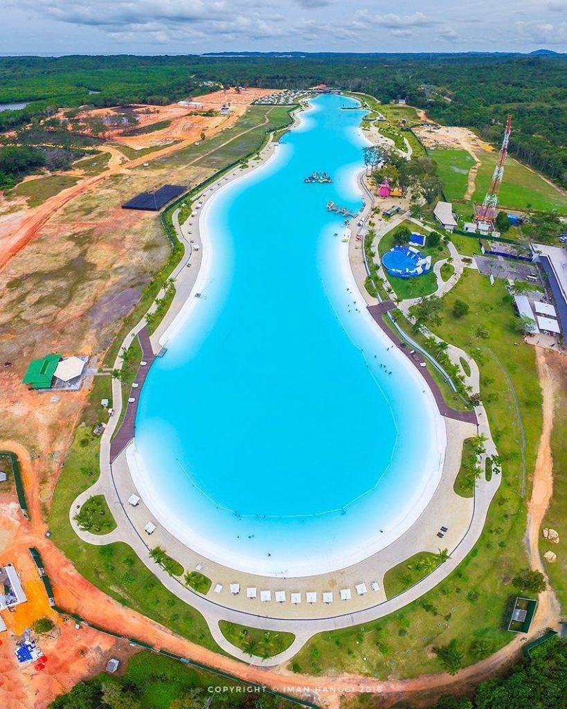 Kolam renang terbesar di Asia Tenggara l Sumber: iman hanggi