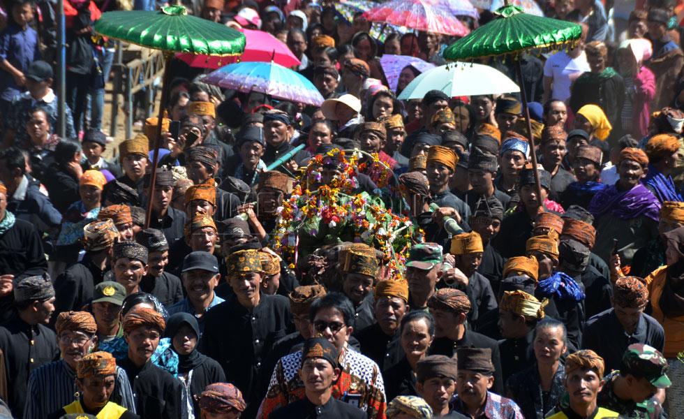 Kemeriahan tradisi unan-unan oleh Suku Tengger l Sumber: timesindonesia.co.id