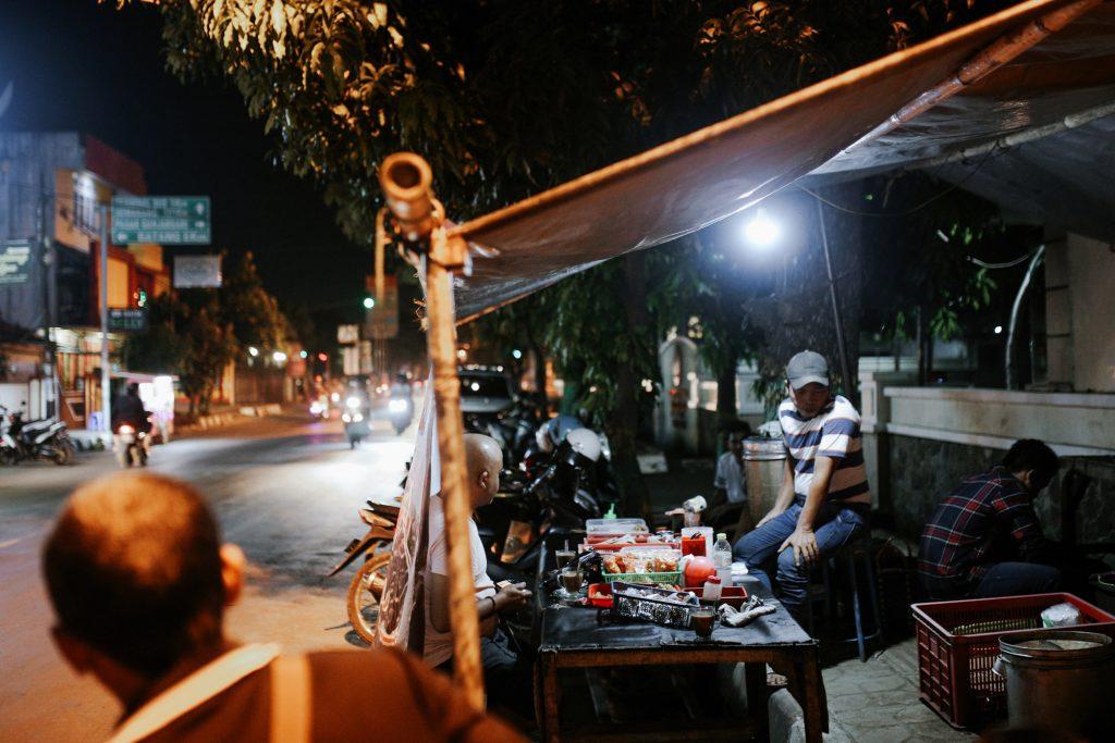 Salah satu warung penjual kopi tahlil di Pekalongan l Sumber: discoverpekalongan.com
