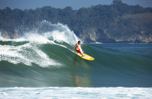 amazing experience: Surfing   source: https://andrewhomestay.blogspot.co.id/2011/11/pantai-ciantir-desa-sawarna.html