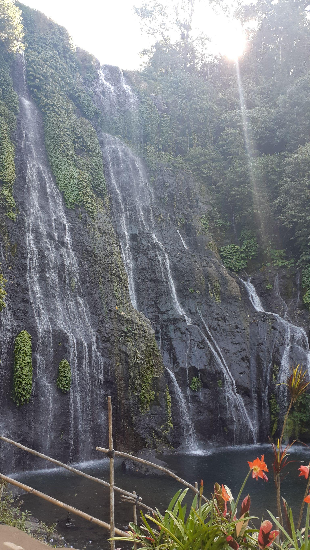 Kolam alam di kaki air terjun Banyumala | Foto: Vita Ayu Anggraeni