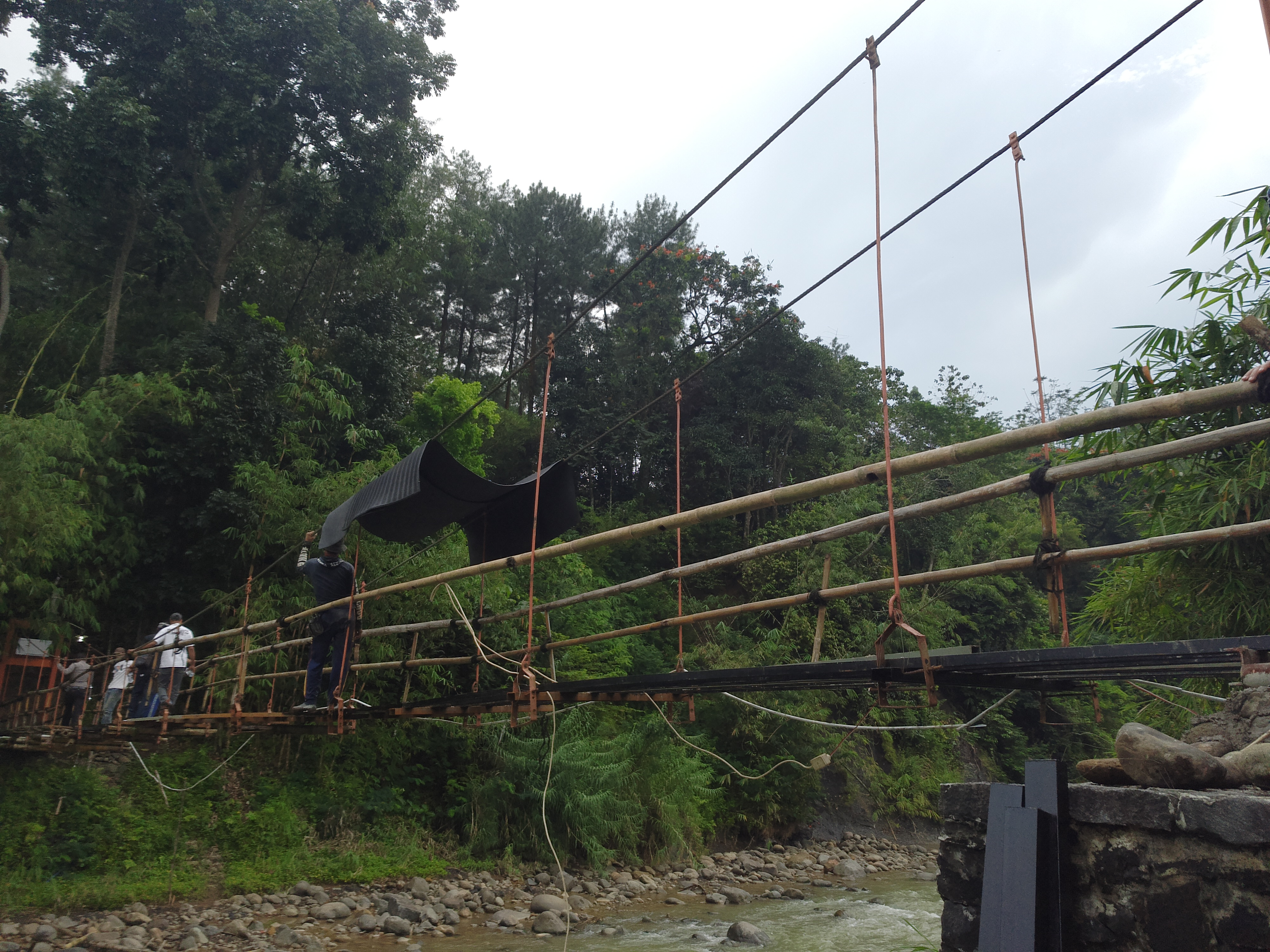 Badan jembatan | Foto: Vita Ayu Anggraeni / GNFI